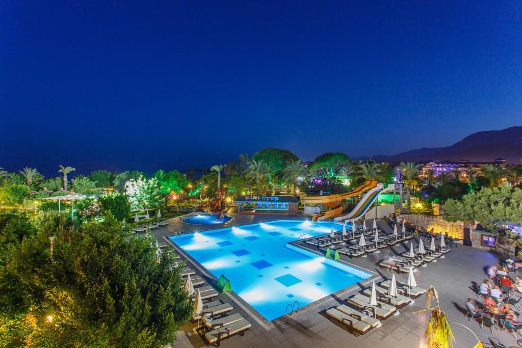 Летний отдых в Турции: скидки на поездку в Турцию, горящие путевки и туры от лучших отелей Турции
